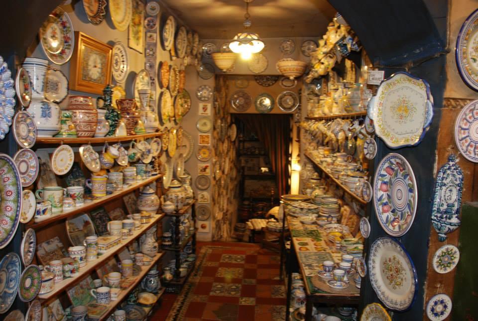 Antigua casa talavera comercio tradicional de madrid 5 for Ceramica talavera madrid